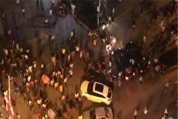 ورود خودرو به میان جمعیت در چین با 3 کشته و 43 زخمی