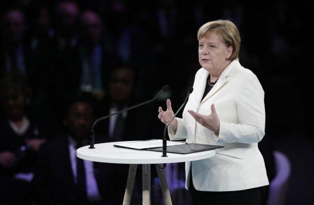 مرکل: روسیه نباید بنادر اوکراین را مسدود کند، مسکو به تعهداتش عمل کند