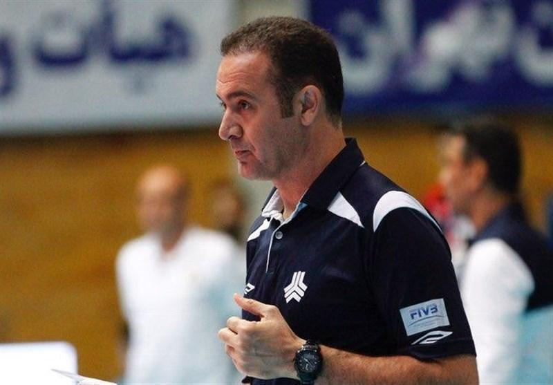 اکبری: داوران خط در تهران بی طرف پرچم می زنند، انگیزه و تمرکز بازیکنان ذخیره ما بیشتر بود
