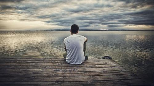 این آدم ها محکومند که همواره تنها باشند