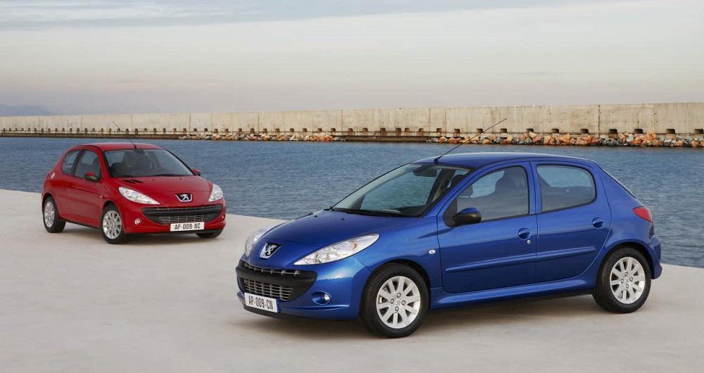 نوسان قیمت محصولات ایران خودرو در بازار آزاد، پژو پارس به قیمت 104 میلیون و 500 هزار تومان شد