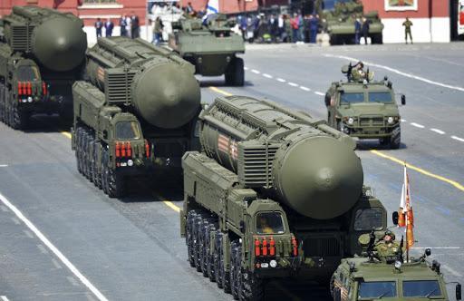 مسکو: با وجود تحریم ها، به جدیدترین جنگ افزار ها مجهز می شویم
