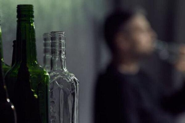 مصرف الکل 642 مسموم در فارس برجای گذاشت ، مرگ 79 نفر