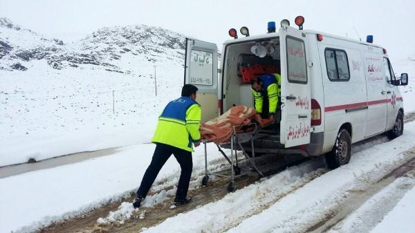 خبرنگاران آمبولانس های اورژانس به جاده کرج - چالوس اعزام شدند